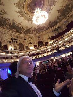 """Dmitri Hvorostovsky's Twitter.  """"Greetings from the Österreichischer Musiktheaterpreis ceremony!"""""""