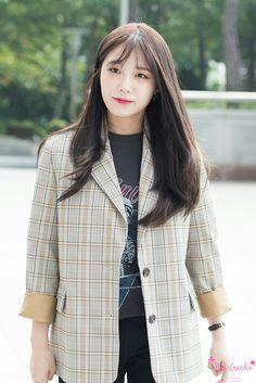 Celebrities - Jung Ji-so Photos collection You can visit our site to see other photos. Namjoo Apink, Eunji Apink, Kpop Girl Groups, Korean Girl Groups, Kpop Girls, Eun Ji, The Most Beautiful Girl, Beautiful Person, Pink Panda