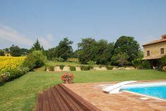 Family holiday villa near Gualdo, Sarnano