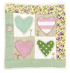 It& valentine& day soon so I have been thinking about some & designs. Applique Fabric, Sewing Appliques, Applique Patterns, Lap Quilts, Small Quilts, Mini Quilts, Fabric Postcards, Fabric Cards, Freehand Machine Embroidery