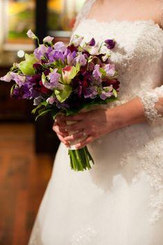 All my wedding flowers: Top 10 wedding flowers: Sweet Peas Gerbera, Sweet Pea Bouquet, Purple Calla Lilies, Bouquet Photography, Hand Bouquet, Purple Wedding Flowers, Wedding Inspiration, Wedding Ideas, Floral Design