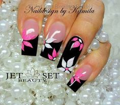 Discover new and inspirational nail art for your short nail designs. Classy Nails, Fancy Nails, Stylish Nails, Pretty Nails, Pink Black Nails, Pink Nail Art, Cute Acrylic Nails, White Nails, Pink Glitter