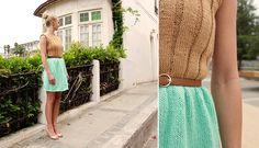 Chic kjole / Chic Dress - Pickles - Pickles - Chic is right! Free Knitting, Knitting Patterns, Crochet Patterns, Little Dresses, Pretty Dresses, Knit Wear, Pattern Dress, Colour Block, Colorblock Dress
