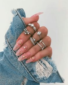 10 Nail Inspiration Pics To Take To Your Nail Tech - - - Nail inspiration helps make choosing what color to get on your nails less difficult! If you're having trouble choosing, we've got 10 nail inspiration pics for your next visit. Diva Nails, Aycrlic Nails, Cute Nails, Coffin Nails, Star Nails, Pretty Gel Nails, Nail Nail, Pointy Nails, Gorgeous Nails