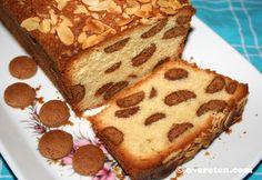 Pepernotencake recipe, it's cake filled with pepernoten (Dutch cookies) delicious! Dutch Recipes, Baking Recipes, Sweet Recipes, Cake Recipes, Pie Cake, No Bake Cake, Food Cakes, Cupcake Cakes, Enjoy Your Meal