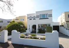 On the market: Foxgloves 1930s art deco property in Lee-on-the-Solent, Hampshire on http://www.wowhaus.co.uk
