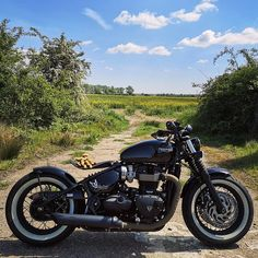 """@motorcycle_inspiration posted to Instagram: Sunny day with """"black""""    Follow 4 more of this: @bobber_inspiration  📸 by: @unparalleledtwin  I have shirts. Best price for riders, check my store now.  Link in the Bio~    #bobber #bobberblack #triumph #triumphbobber #triumphbobberblack #bobberlife #indianscout #indianscoutbobber #indianmotor #indianmotorcycle #bobber_inspiration Triumph Bobber, Triumph Motorcycles, Triumph Bonneville, Honda Motorbikes, Indian Motors, Motorbike Photos, Indian Scout, Easy Rider, Street Bikes"""