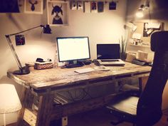 I stumbled upon some workspace-postings over here. Here's mine at home.