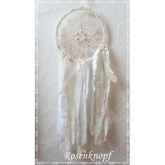 Romantischer Traumfänger im Shabby Stil, gefertigt aus Vintage Spitze in Ivory und Bändern und Tüll in Weiß und Ivory♥