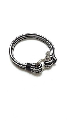 Items similar to Jewelry Bracelets Charm -Nautical Sailing Bracelet Stainless steel Shackle -Rope Bracelet- Paracord Bracelet- Gift iDea For Him -BLACK on Etsy Paracord Bracelets, Bracelets For Men, Fashion Bracelets, Jewelry Bracelets, Men's Jewelry, Diy Jewelry Inspiration, Textile Jewelry, Stainless Steel Bracelet, Nautical Rope