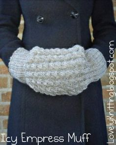 Free Crochet Pattern For Hand Muff : DIY Knit Muff @Laura Jayson Jayson Trevey #umbaboxpass @U ...
