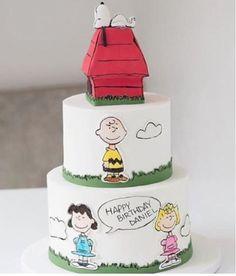 Bolo lindo Snoopy por @cakebyannie  #kikidsparty