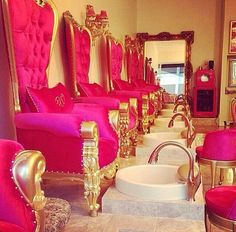 Painted lady nail salon