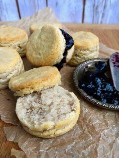 Paleo Cassava Flour Biscuits - New Ideas Paleo Bread, Paleo Baking, Gluten Free Baking, Paleo Flour, Paleo Scone, Paleo Pizza, Bread Baking, Cassava Recipe, Cassava Flour Recipes