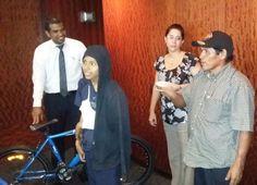 Eric Montezuma, 14 años, paciente del Hospital del Niño con sarcoma de Ewing. Su deseo era tener una bicicleta.