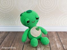 When people tell you that the little things in life matter the most, they are probably talking about little toys like this amigurumi turtle. You can make it with our Soft & Dreamy Turtle Amigurumi Pattern! Crochet Penguin, Crochet Lion, Crochet Teddy, Cute Crochet, Crochet Baby, Crochet Patterns Amigurumi, Crochet Dolls, Knitting Patterns, Turtle Pattern