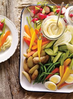 Ricardo& recipe: Vegetable Platter with Aioli Aioli Sauce, Ricardo Recipe, Lemon Green Beans, Antipasto Platter, Food Security, Summer Dishes, Healthy Diet Recipes, Healthy Food, Just Cooking