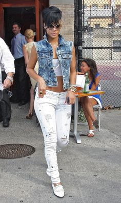 White Jeans. Denim Vest. Urban Fashion. Urban Outfit. Hip Hop Fashion. Swag. Dope Outfit. Streetwear. Rihanna Style
