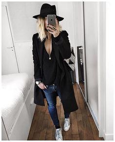 Toujours pareil, on change juste les couleurs : manteau, pull noir, jean et baskets! B... | Use Instagram online! Websta is the Best Instagram Web Viewer!