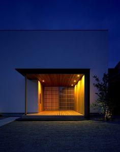 Matsuyama Architect and Associates Japan Architecture, Minimal Architecture, Architecture Details, Entrance Lighting, Entrance Ideas, Archi Design, Porche, Dream House Interior, Minimalist House Design