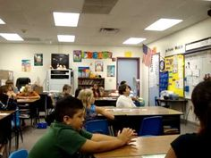 Grade Reading Vocabulary - Group Lesson - Notice the great student engagement in guiding whole class management. (THIS LESSON IS AWESOME! Teaching 5th Grade, Whole Brain Teaching, 4th Grade Classroom, 4th Grade Reading, Reading Lessons, Reading Strategies, Teaching Reading, Guided Reading, Teaching Ideas