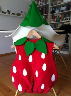 Fasching ist nicht meins, Kinder finden's aber großartig. Und dieses Erdbeerkostüm zu nähen fand ich großartig!