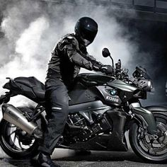 BMW K1300R...i would so rock this in hot pink and flat black.