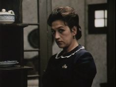 Confesión a Laura, es una película realizada en el año 1993. Es dirigida por Jaime Osorio y en ésta se vuelve a los terribles sucesos ocurridos en el año 1948 tras la muerte del caudillo Jorge Eliécer Gaitán. Su actriz principal es la reconocida Vicky Hernández. Fictional Characters, Confessions, Death, Movies, Fantasy Characters