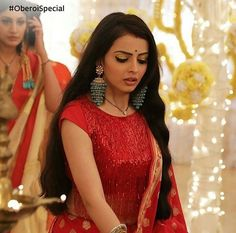 Gauri Oberoi special week Beautiful Indian Actress, Beautiful Actresses, Shrenu Parikh, Surbhi Chandna, Cute Stars, Feather Dress, Bollywood Celebrities, Female Celebrities, India Beauty