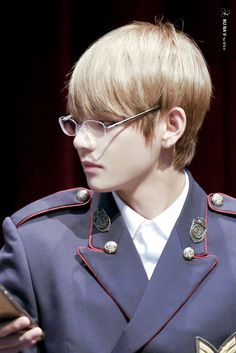 V_ Kim Tae Hyung  I like when you wear glasses.
