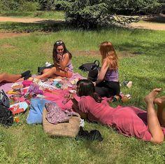 """Uploaded by vera"" I Need Friends, Cute Friends, Dream Friends, Aesthetic Indie, Summer Aesthetic, Best Friend Pictures, Friend Photos, Summer Dream, Summer Girls"
