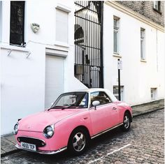 Retro car retro bell box ⏳  We love this shot by @kalyanilodhia   #spottedbanham #banham #retro #security #prettylittlelondon #prettycitylondon #prettyinpink #london #londonstyle #timeoutlondon #thatsdarling #vintage #regram