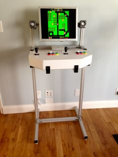 "Pretty cool simplistic arcade ""cabinet"""