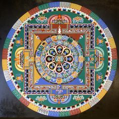 Tibetan monks from Drepung Gomang Monastery bring ancient art of mandalas to the Central Coast Mandala Art, Mandalas Drawing, Mandala Painting, Mandala Design, Tibetan Mandala, Tibetan Art, Tibetan Buddhism, Buddhist Art, Sand Painting