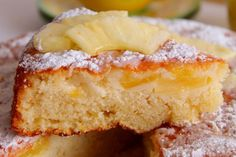 La torta all'ananas, yogurt e limone è un dolce soffice e fresco, perfetto per ogni momento della giornata. Ecco la ricetta