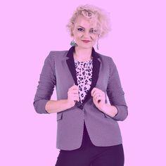 Σακάκι ασπρόμαυρο με μαύρο πέτο! A total must have!  #vayagr #boutique #fashion #womensfashion #outfit #suit #jacket #photoshoot #blonde #outfit #thessaloniki #greece