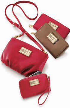 aabab6c914c70 Selecting The Right Authentic Designer Handbag For Yourself – Bags Online  Shop