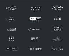 ロゴデザイン制作に迷ったら確認したい、ミニマルスタイルのロゴ用テンプレート素材を集めました。文字とシンプルなシェイプで作成されたミニマルスタイルが中心で、どれもフリーフォントを使って編集できるものばかりです。