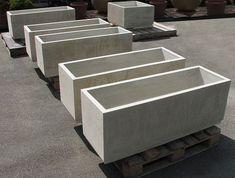 Concrete Planter Boxes, Diy Concrete Planters, Diy Planter Box, Concrete Crafts, Concrete Projects, Concrete Garden, Concrete Design, Diy Planters, Succulent Planters