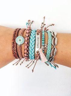 10 Brilliant Adorable DIY Anklets for Beachwear Yarn Bracelets, Summer Bracelets, Bracelet Crafts, Cute Bracelets, Braided Bracelets, Summer Jewelry, Friendship Bracelets, Hand Bracelet, Anklet Bracelet