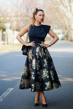 Cashmere in Style : Statement Skirt
