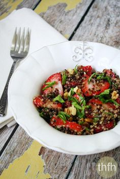 Strawberry and Spinach Quinoa Salad with Balsamic Vinegar...made with only 5 clean ingredients and it's vegan, gluten-free and dairy-free   The Healthy Family and Home