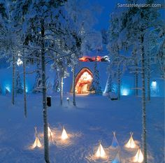 SantaPark – die Weihnachtsmannhöhle in Rovaniemi in Lappland in Finnland. Santa Claus Village, Santa's Village, Lappland, Helsinki, Amor Sublime, Beautiful World, Beautiful Places, Beautiful Lights, Lapland Finland