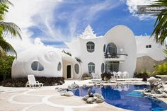 Dying to stay at this Seashell House ~ Casa Caracol in Isla Mujeres! https://www.airbnb.fr/rooms/530250
