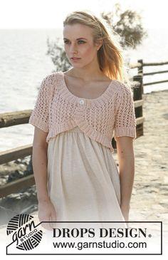 "Knitted DROPS bolero in lace pattern with short raglan sleeve in ""Muskat"". Size XS/S to XXXL"