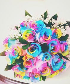 rainbow roses. Super obsessed with these now.