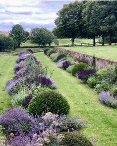Back Gardens, Outdoor Gardens, Indoor Outdoor, Garden Cottage, Garden Spaces, Front Yard Landscaping, Hillside Landscaping, Landscaping Ideas, Dream Garden