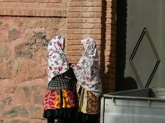 Abyaneh, Iran. Read more: http://www.imperatortravel.com/2012/10/iran-discovering-the-traces-of-old-persia-in-the-islamic-republic-abyaneh-episode-6.html