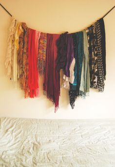 this is what i should do with all my scarves! hahaha