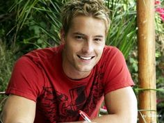 Justin Hartley - Yes, Smallville gets two. But he's just so darn adorable!